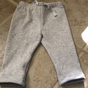 NWOT Baby GAP gray lined sweatpants 0-3 months